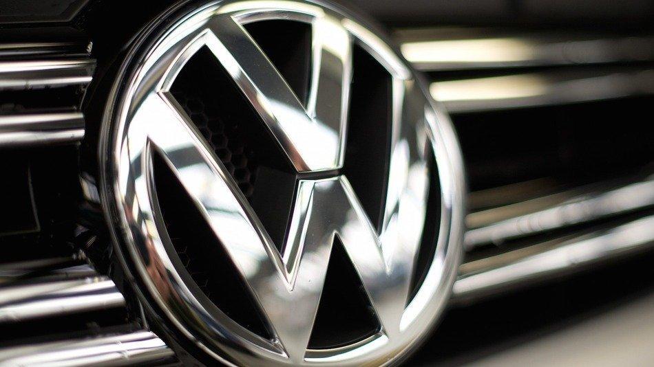 VW собирается торговать ежегодно 1 млн электрокаров к 2025г.