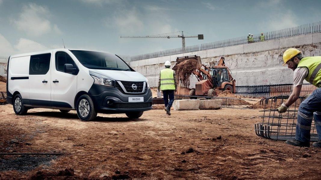 Nissan назвал цены на новый фургон NV300