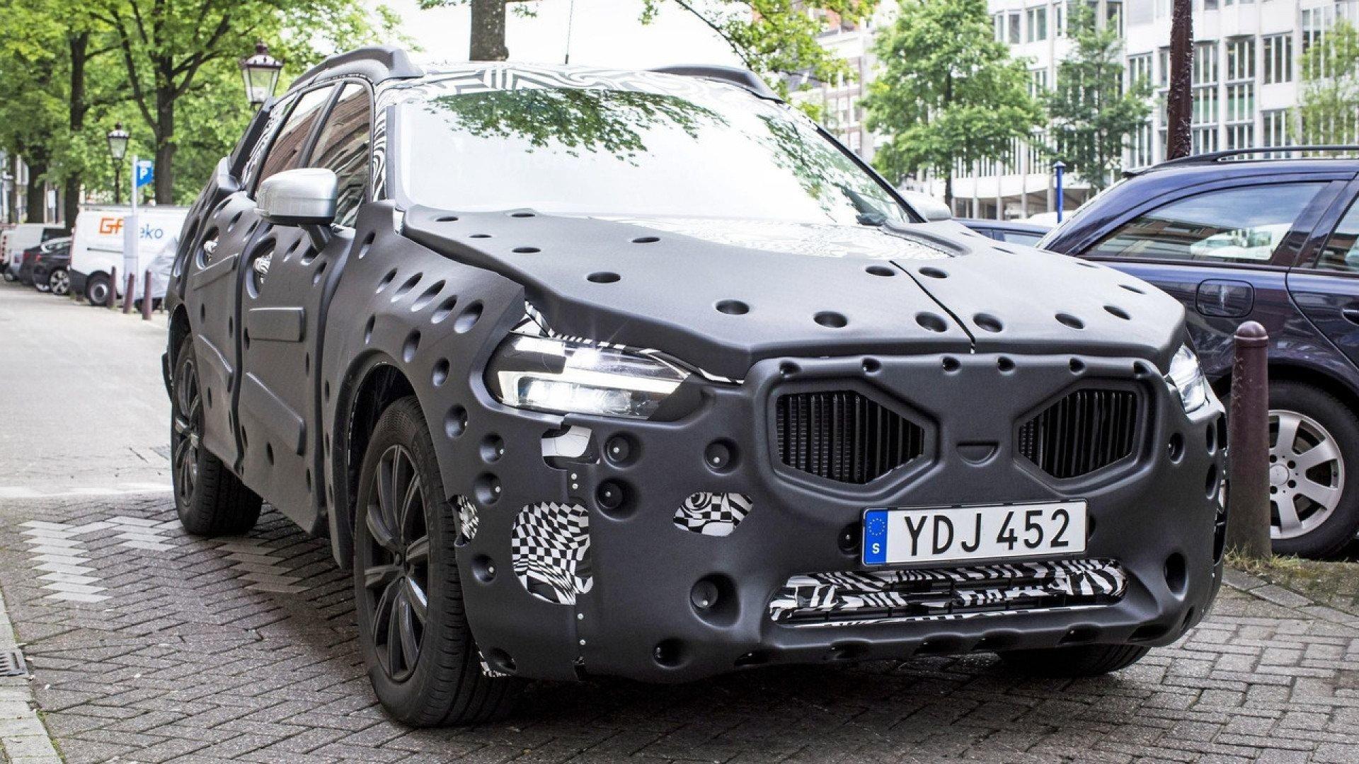 Новый Вольво XC60 увидели впроцессе тестов