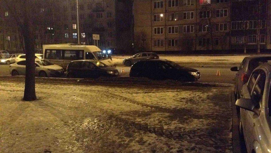 Фургон насмерть сбил пенсионерку наИскровском проспекте
