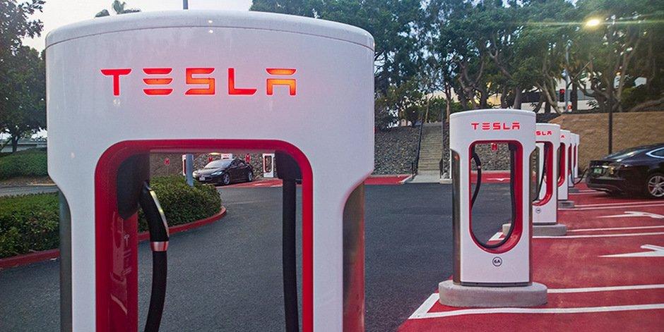 Автопроизводитель Tesla запатентовал зарядные станции сохлаждением