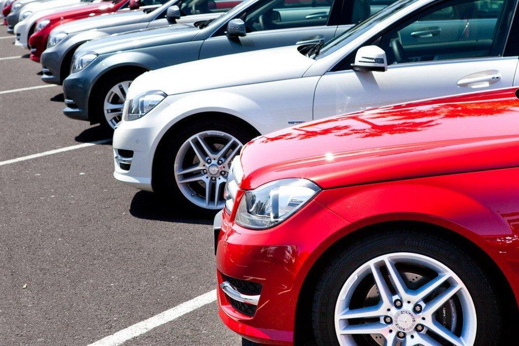 В столицеРФ иПетербурге каждый пятый автомобиль— отечественный
