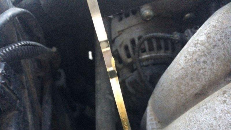 Авот подобные капли нащупе уже повод заехать кмеханику. Фото: mashinapro